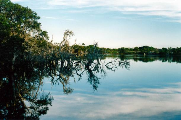 Resize of 04-27-2004 Lake Monjingup near Esperance.jpg