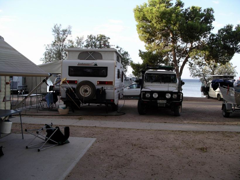 Resize of 04-02-2004 Streaky Bay camp.jpg