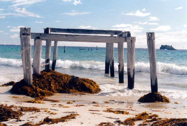 05-27-2004 02 Hamelin Bay old jetty.jpg