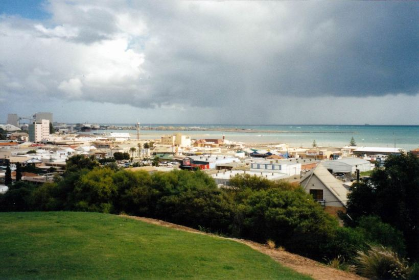 Resize of 06-05-2004 geraldton and rain.jpg