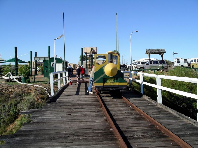 Resize of 07-04-2004 01 Carnarvon jetty train.JPG