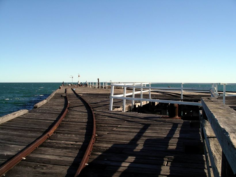 Resize of 07-04-2004 02 Carnarvon jetty end.JPG
