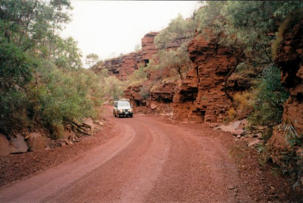 Resize of 07-16-2004 23 Tom Price Wittenoom rd gorge section.jpg