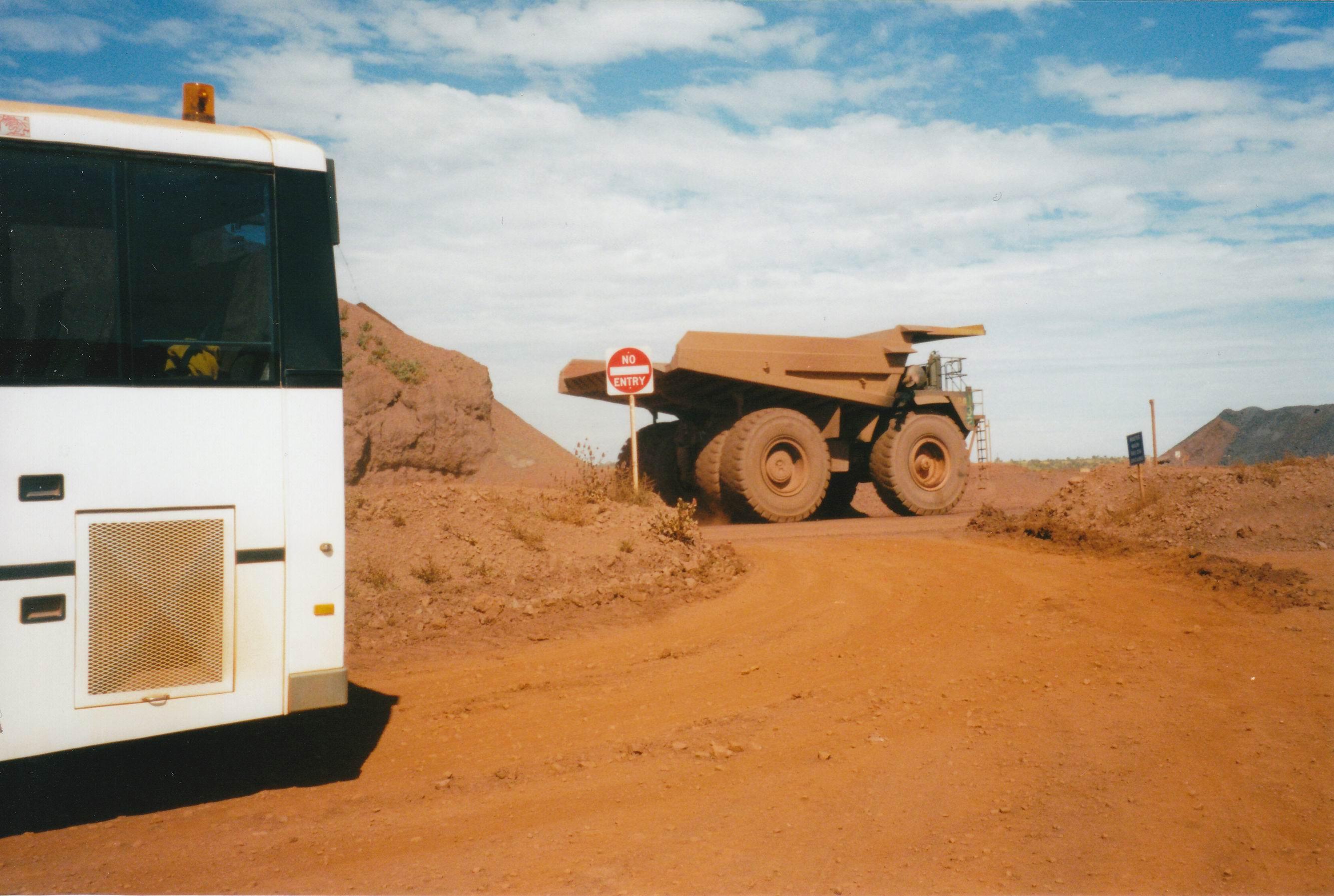Resize of 07-23-2004 01 Newman mine haul truck.jpg