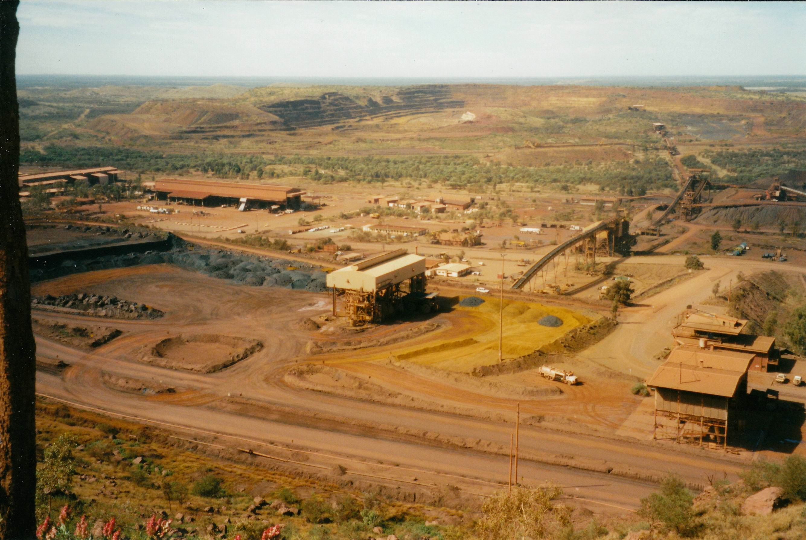 Resize of 07-23-2004 02 Newman mine works.jpg