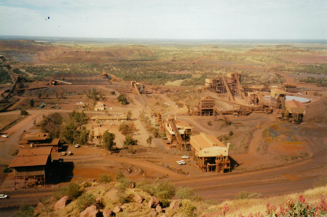Resize of 07-23-2004 07 mine structures.jpg