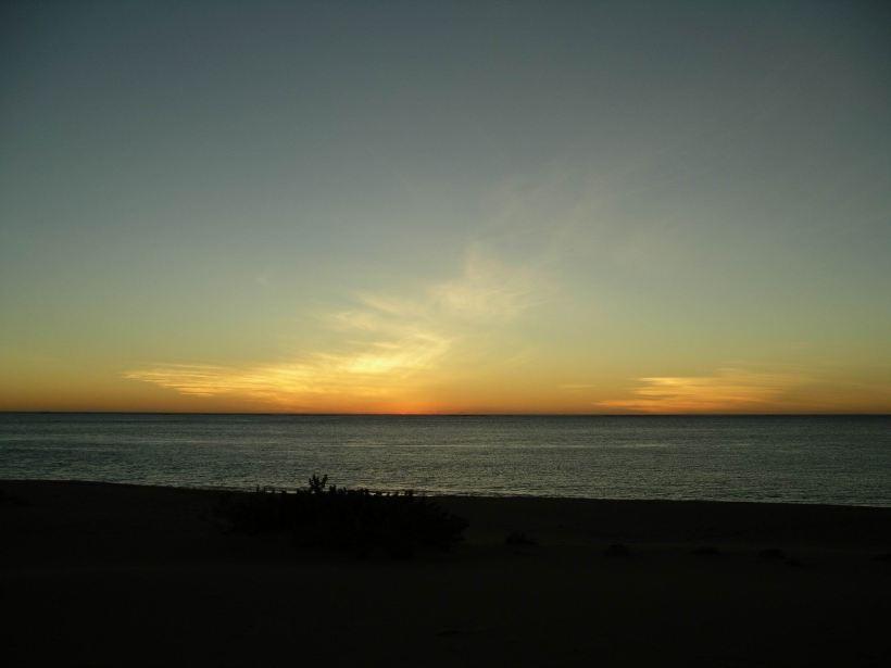Resize of 08-07-2004 08 Cape Range dusk 1