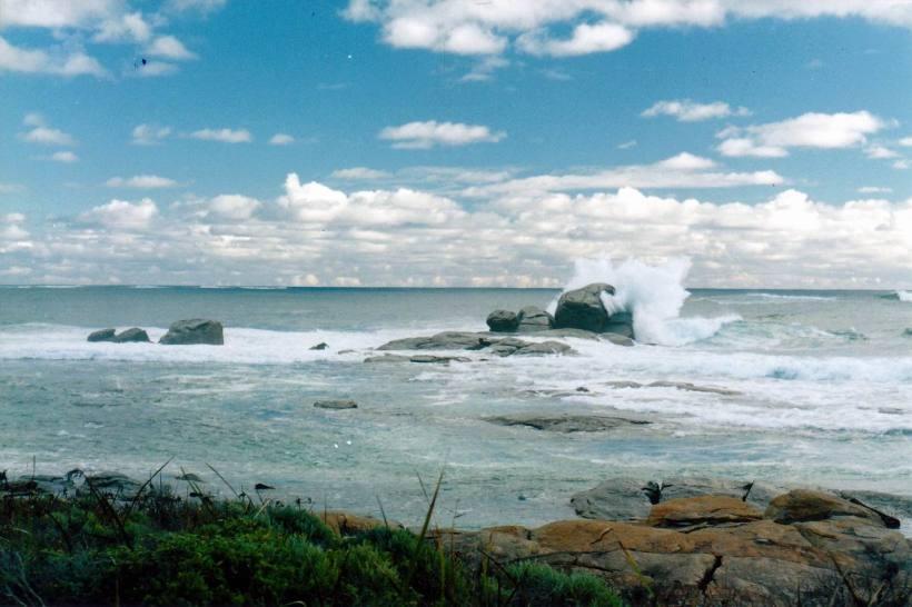 Resize of 08-25-2004 blowhole seas.jpg