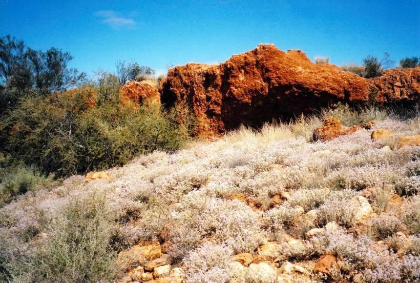 Resize of 08-31-2004 rocks at beegull waterholes.jpg