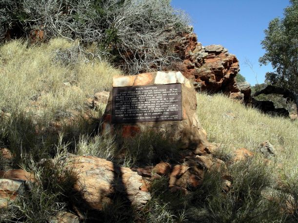 Resize of 09-02-2004 34 Lasseters Memorial 1.JPG