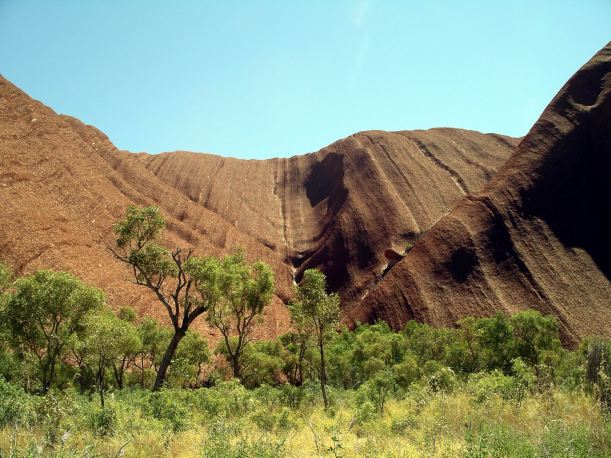 Resize of 09-04-2004 13 Ayers Rock 11.JPG