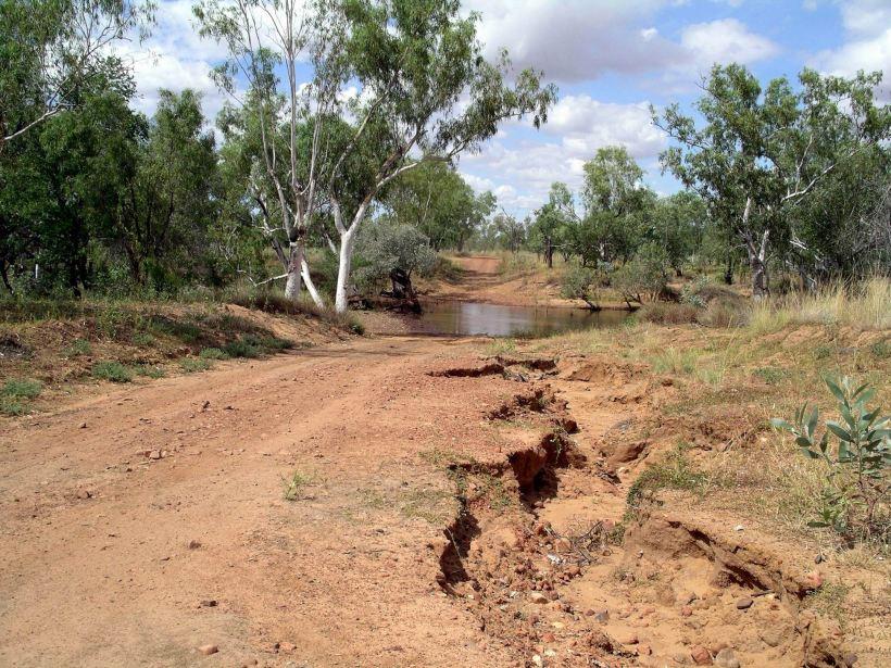 Resize of 04-09-2005 06 Elizabeth Creek.JPG