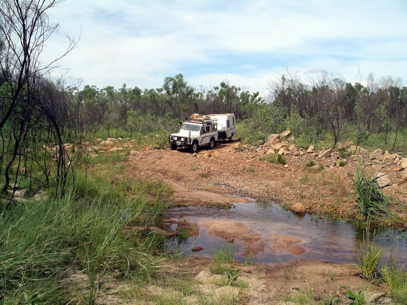 Resize of 04-10-2005 23 Crossing Billy Tea Creek - Hot Dog Creek.JPG
