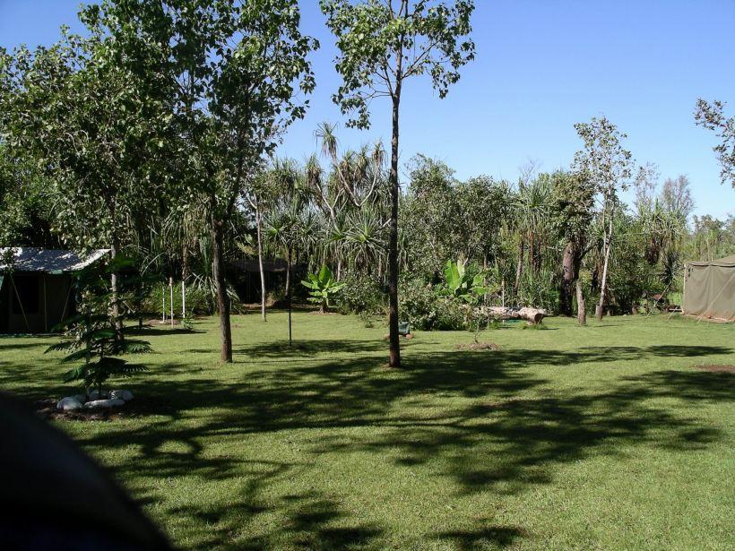 Resize of 04-26-2005 05 Safari Camp 5.JPG