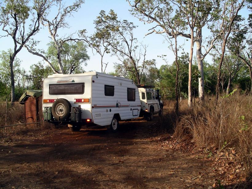 Resize of 09-12-2005 03 Van leaving Cane Toad Clearing
