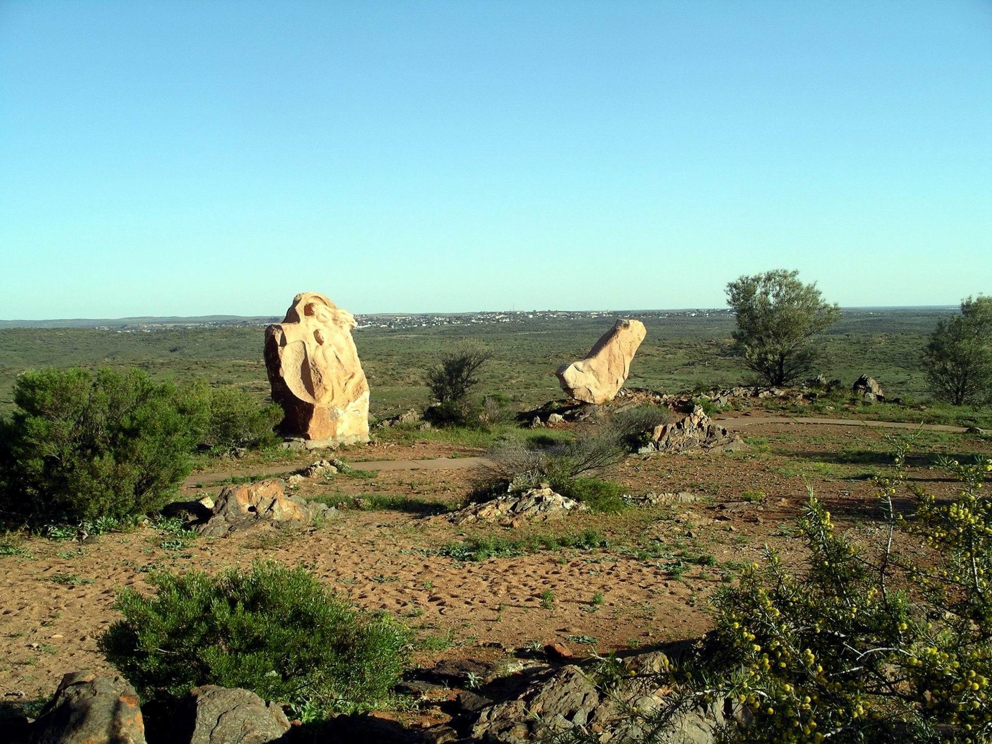 Resize of 09-27-2005 09 Desert Sculptures Broken Hill