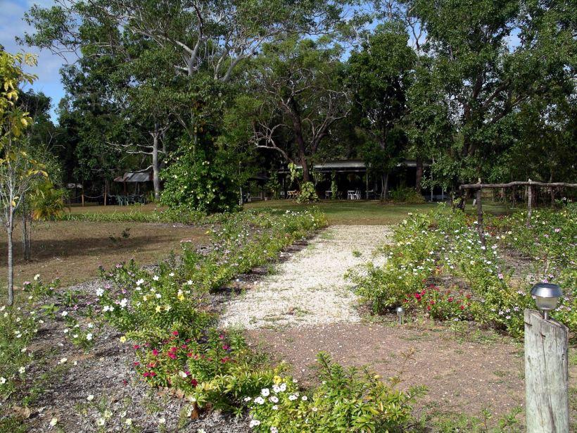 Resize of 06-14-2006 30 Monsoon entrance