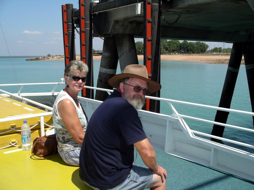 08-16-2006 06 Mandorah ferry them & hotel