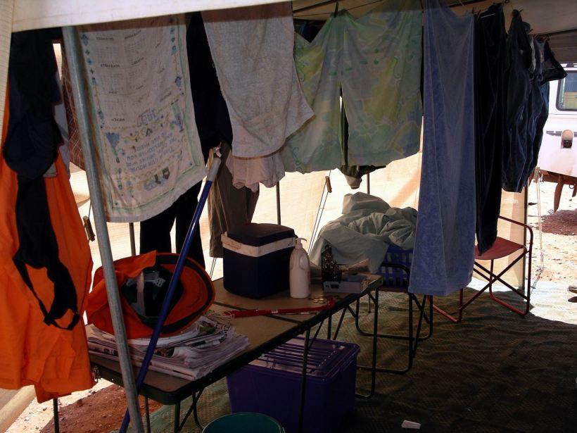 Resize of 10-01-2006 08 Van washing day 2