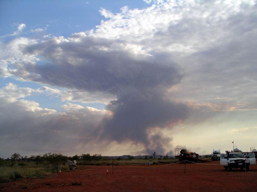 Resize of 10-08-2006 06 Fly camp bushfire