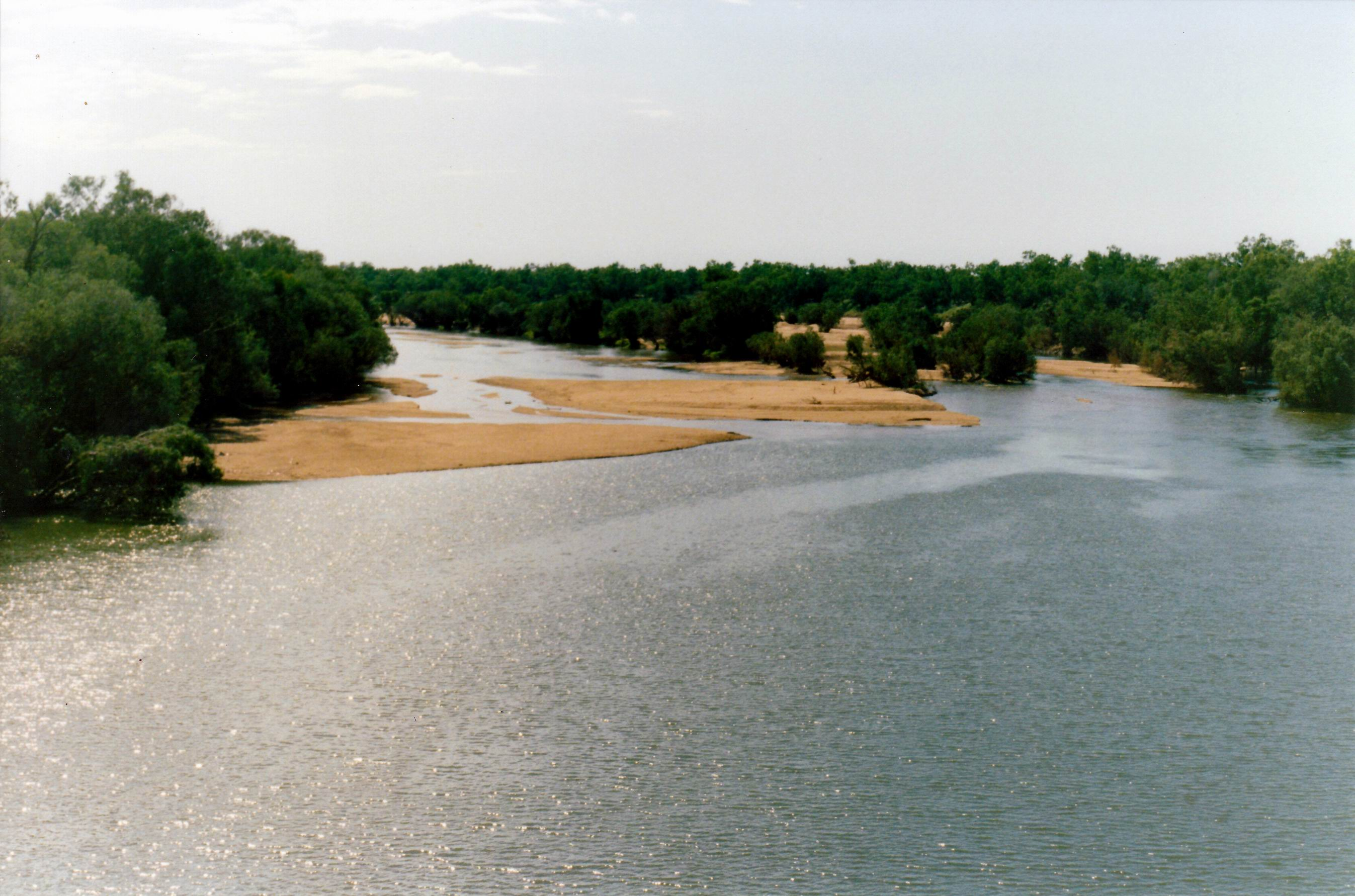 Resize of 6-17-1993 Fitzroy River from new bridge