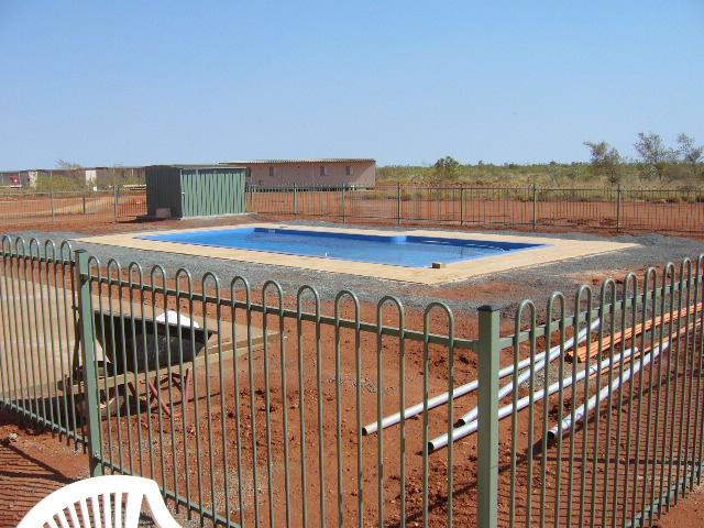 12-01-2006 Pool Fenced