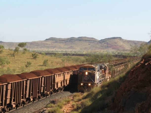 Resize of 12-09-2006 BHPcarrying ore to Pt Hedland